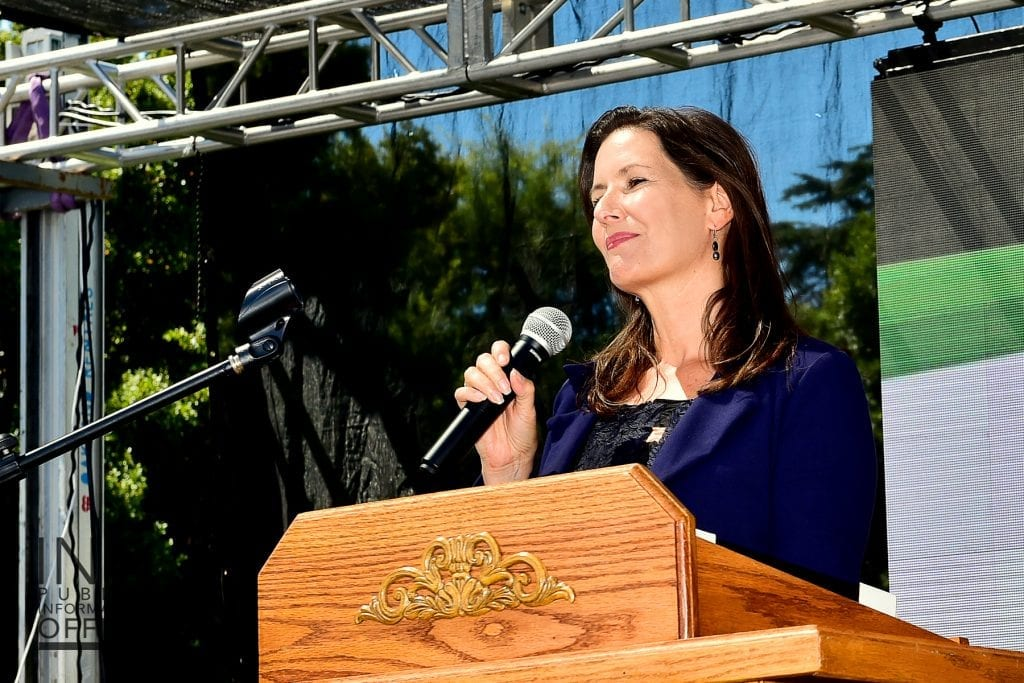 Oakland Mayor Libby Schaaf thanking the FYM Foundation for their impact on the Oakland community.