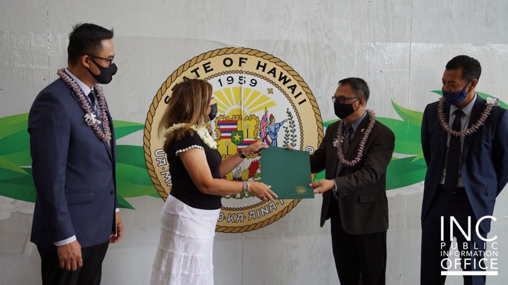 Hawaii-Pacific District Supervising Minister, Brother Noel Caritativo receives certificate from Hawaii State Senator, Bennette E. Misalucha