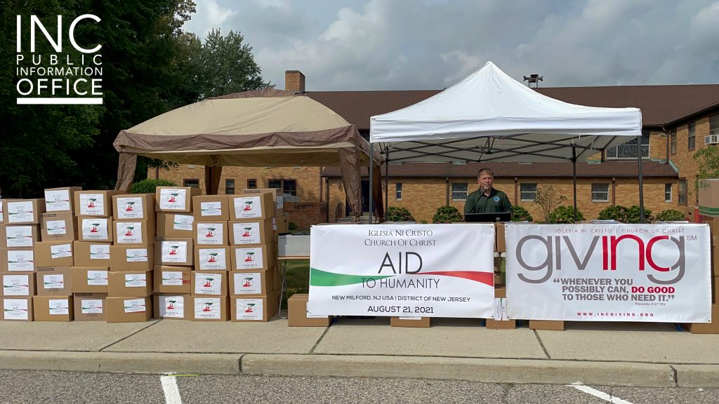 New Milford, New Jersey Mayor Michael Putrino receives boxes of donated food items from the Iglesia Ni Cristo (INC)